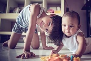きょうだいの子育て『上の子が可愛くない症候群』って?