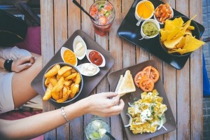 暑い夏こそ要注意!子どもは重症化しやすい『食中毒』の予防と対策