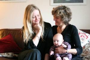 産後の悩みをプロの先輩ママがサポートする『産後ドゥーラ』とは?
