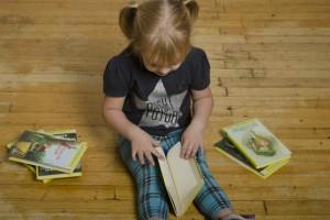 絵本時間で子どもの世界が広がる!年齢別『絵本の選び方』