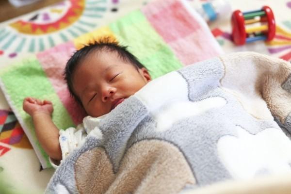 毎日の寝かしつけはもっと楽になる!ネントレのはじめ方と寝かしつけのコツ