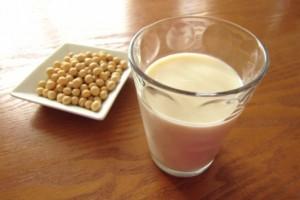 簡単にできる『生理前豆乳飲むだけダイエット』実際に試してみた!