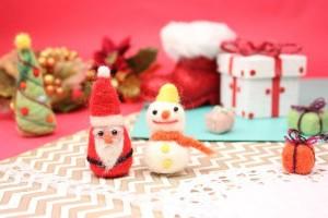 赤ちゃんへのクリスマスプレゼントはなにを贈ろう?1歳までの月齢別『おもちゃの選び方』
