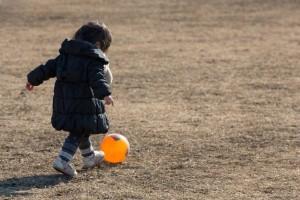着膨れはNG! 「子どもには薄着が良い」その理由と効果とは?