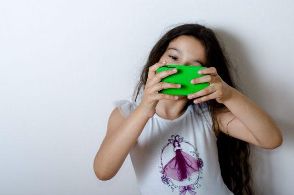 子どもに携帯電話を持たせる前に、親子でルールを決めよう!