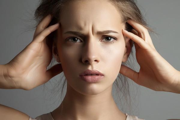 頭痛や生理痛に効くロキソニンの『重大な副作用』はどこまで危険?