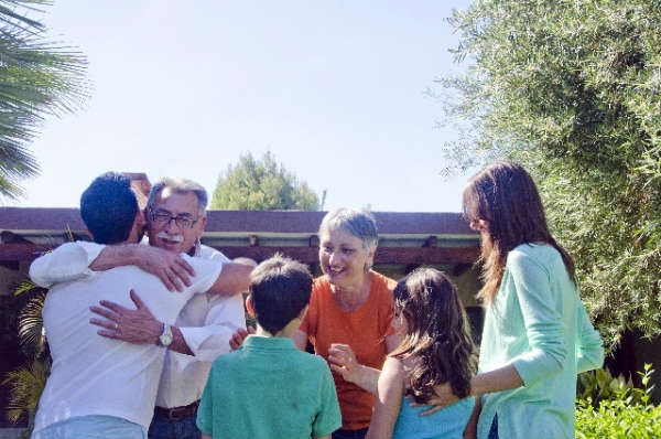 祖父母との子育てに関するジェネレーションギャップを埋める方法