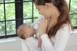 「液体ミルクを日本にも!」ママたちの署名活動が活発化