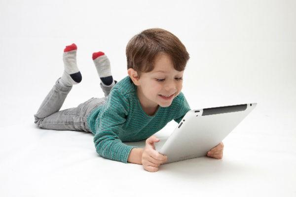 きっと子どももハマる!『YouTuberごっこ』に挑戦