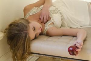 つらい産後生活…西山茉希のブログに多くのママが共感!