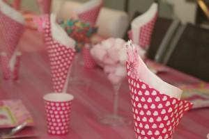 パーティに大活躍!かわいすぎる100均の紙コップ・紙皿コレクション