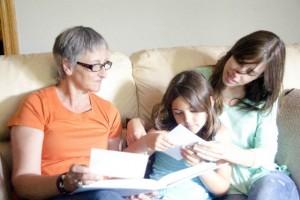 こんなの欲しかった!祖父母世代との育児ギャップを埋める『祖父母手帳』が話題