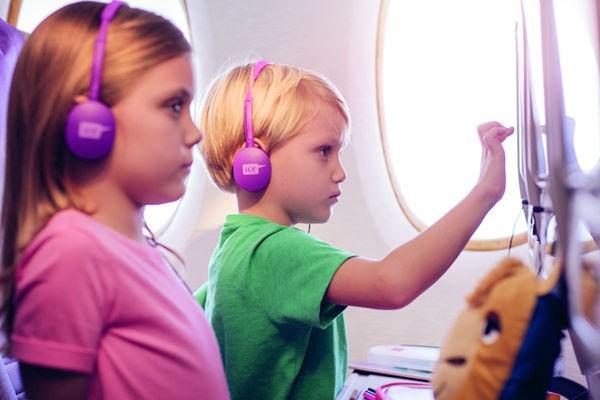 これで安心♪飛行機で子どもがグズらないようにするための5つのコツ