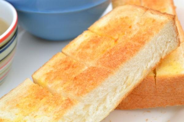 もう飽きたとは言わせない!忙しい朝でも簡単なトーストアレンジレシピ☆