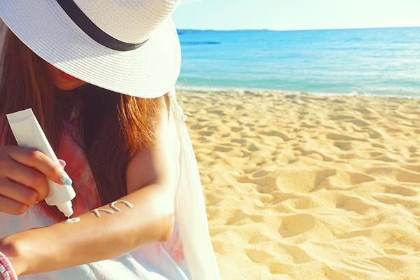 うっかり日焼けにはアフターケアが重要!夏の紫外線ダメージを最小限に抑える方法