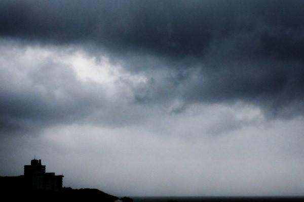 台風接近で体調不良を訴える人が続出!もしかしたら『気象病』かも…