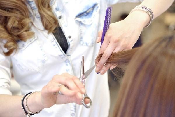 貧困に苦しむ子どもを無料で散髪!京都NPO団体の活動に「素晴らしい!」の声多数