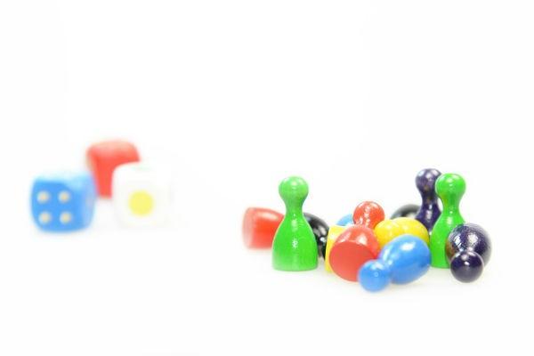 親も勝てない!?子どもの記憶力・集中力を育むカードゲーム3選(4~6歳向け)