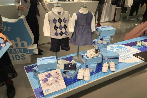 子どもの足に合った靴の選び方とは?アシックスの『スクスク』シリーズ新商品展示会レポート
