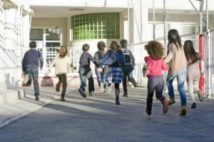 学童落ちた日本死ね…!?保育園だけじゃない『学童保育』の待機児童問題が深刻!