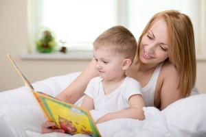 6か月の赤ちゃんにおすすめの絵本3選!選ぶポイントは色と形