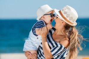 """""""ママと一緒の写真""""で約9割が「愛されて育った」と実感!自然体なら更に愛情実感度が増すことが判明"""