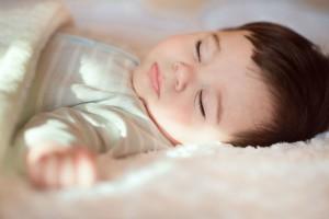 生後7ヶ月は睡眠リズムの変化期!赤ちゃんの睡眠時間はこう整えよう