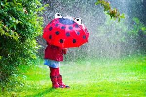 遊びたい盛りの2歳児も大満足!雨の日のおすすめ遊び7選!