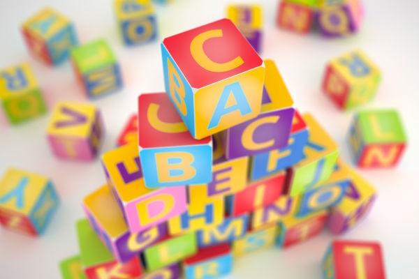 英語と日本語を同時に楽しく学べる!バイリンガル知育玩具4選