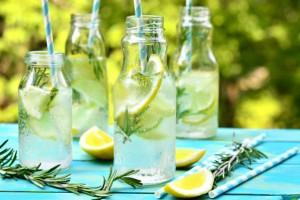 おいしく飲んでアフターユース!使い方いろいろかわいい瓶ジュース