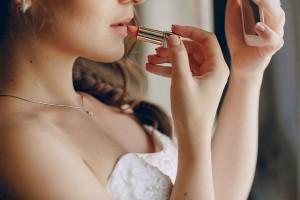 お手頃価格で高発色!オペラの『#花嫁リップ』が大人気!