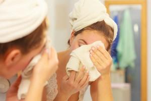 毛穴の汚れまでスッキリ!フランス流の『やわらかタオル洗顔』がオススメ