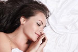芸能人も愛用中!『ナイトキャップ』で寝ている間に美髪になっちゃおう♪