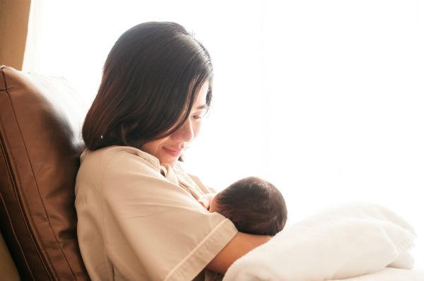 母乳トラブルで悩む日々…産後おっぱいが出ない私が試した5つのこと