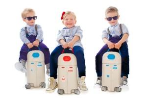 飛行機や新幹線での旅行に『BedBox』が超使える!スーツケースがベビーベッドに早変わり!