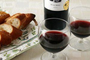 美容に良いのは「白ワイン」か「赤ワイン」、どっち?