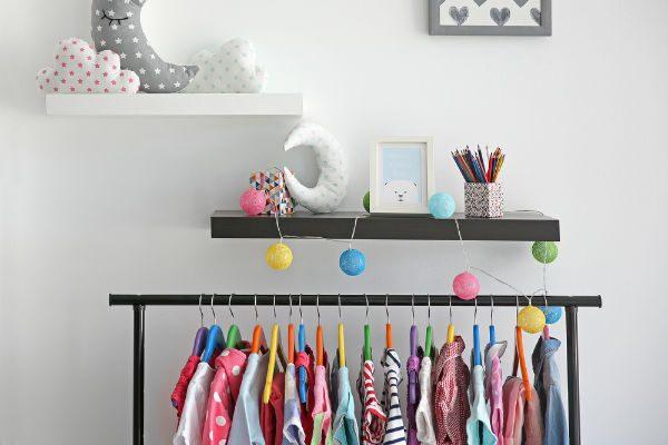 あの育児アイテムが簡単に作れる!便利な『つっぱり棒』活用アイデア9選!