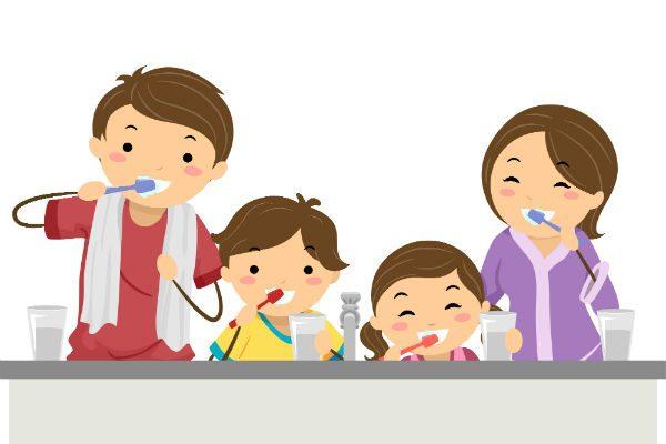 正しい歯磨き習慣をつけるには?子どもの年齢別・歯磨きのポイント