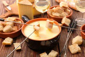 コスパ最高!セブンイレブンの『チーズフォンデュ』が手軽でおいしいと話題