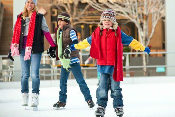 親子で楽しめる『スケート』!子連れスケートの持ち物や注意点は?