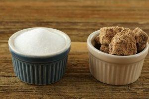 白砂糖と黒砂糖、美容に良いお砂糖はどっち??