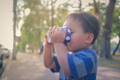 子どもの車内での熱中症対策