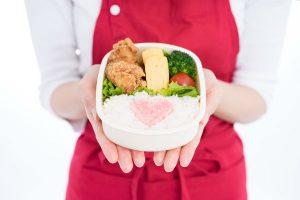 作り置きの進化形!?人気主婦インスタグラマーが考案した『まるごと冷凍弁当』が革命的!