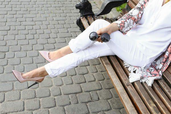 """育児中も気にせず履ける!""""汚れない白デニム""""でママもファッションを楽しもう!"""
