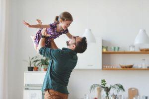 「忙しい」を理由にさせない!パパとの10秒の触れあいが子どもを伸ばすって知ってた?