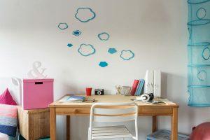 実用的でおしゃれな空間に!子どもの学習机まわりはどう整える?