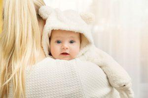 ユニクロから待望の50cmサイズが登場してる!冬生まれの新生児こそ、服はジャストサイズを!