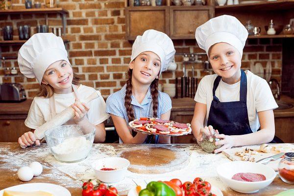 親子で発見がいっぱい!子ども向け体験サービスのあるチェーン店3選
