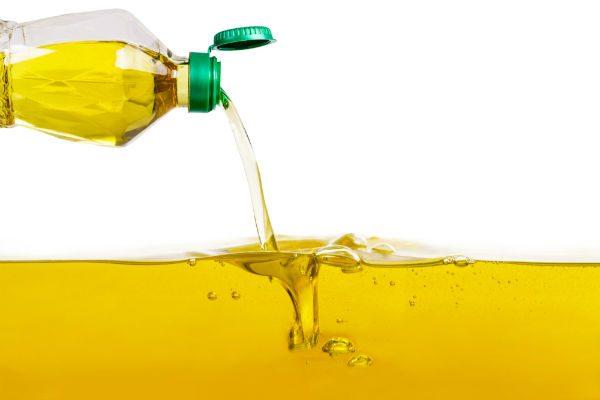何回まで使える?揚げ油の正しい保存方法と捨て方