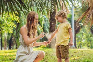 子ども用の安全な虫除けなら『イカリジン』配合がおすすめ!ディートフリーとの違いや効果は?